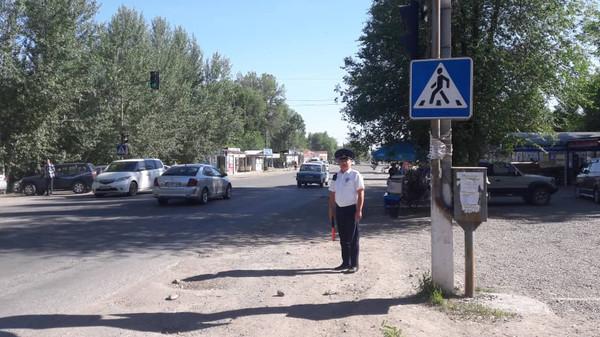 Инспекторы УОБДД по ГУВД Чуйской области в дни школьных выпускных усилили несение службы