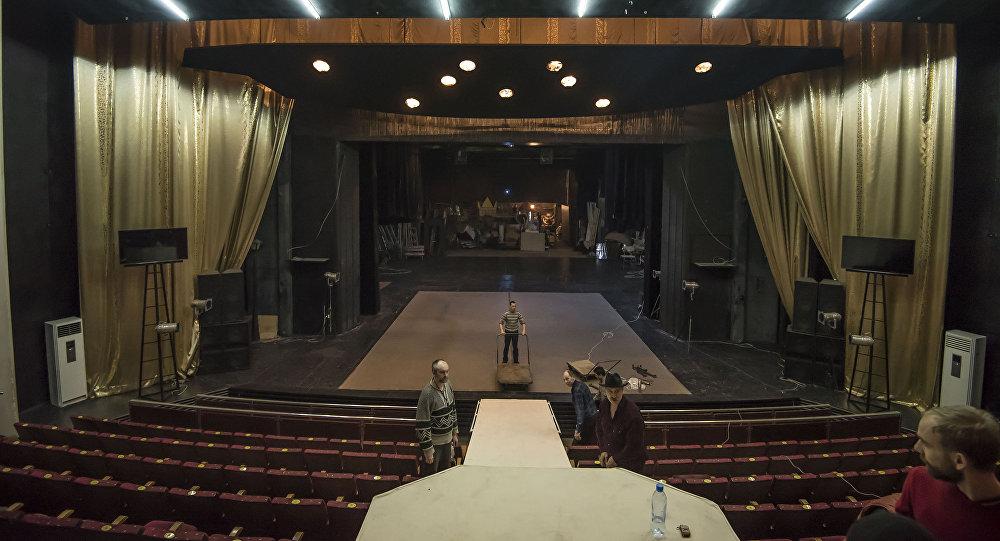 Өкмөт  3 драма театрды оңдоодон өткөрүү үчүн 198 миллион сомдон ашык  бөлдү