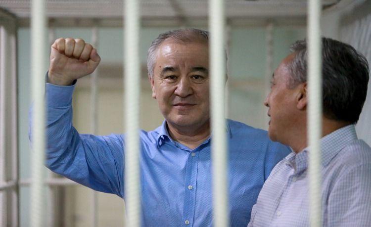 Жогорку сот Текебаевдин ишин кароону 21-августка жылдырды