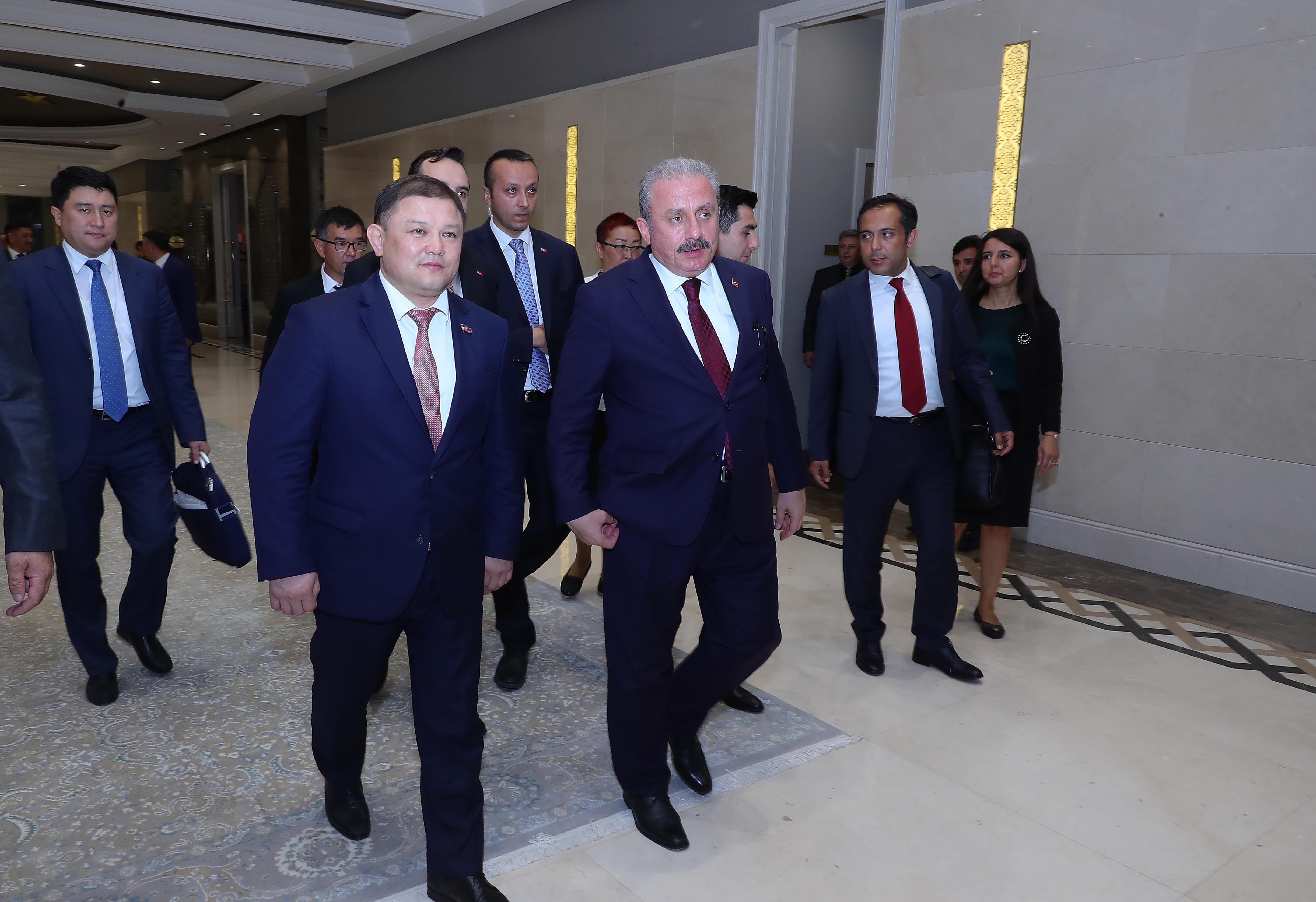 Жумабеков: Кыргызстан-Түркия ортосундагы товар жүгүртүүнүн көлөмүн 1 млрд долларга чейин жеткирүүнү көздөп жатабыз
