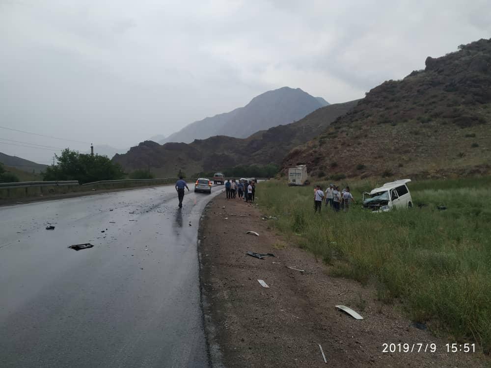 Ош-Бишкек жолундагы унаа кырсыгы 2 адамдын өмүрүн алды (фото)