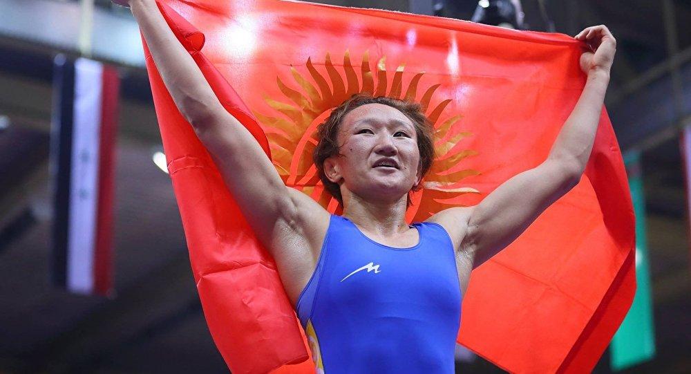Айсулуу Тыныбекова Poland Open аялдар күрөшү боюнча эл аралык мелдеште күмүш медалга ээ болду