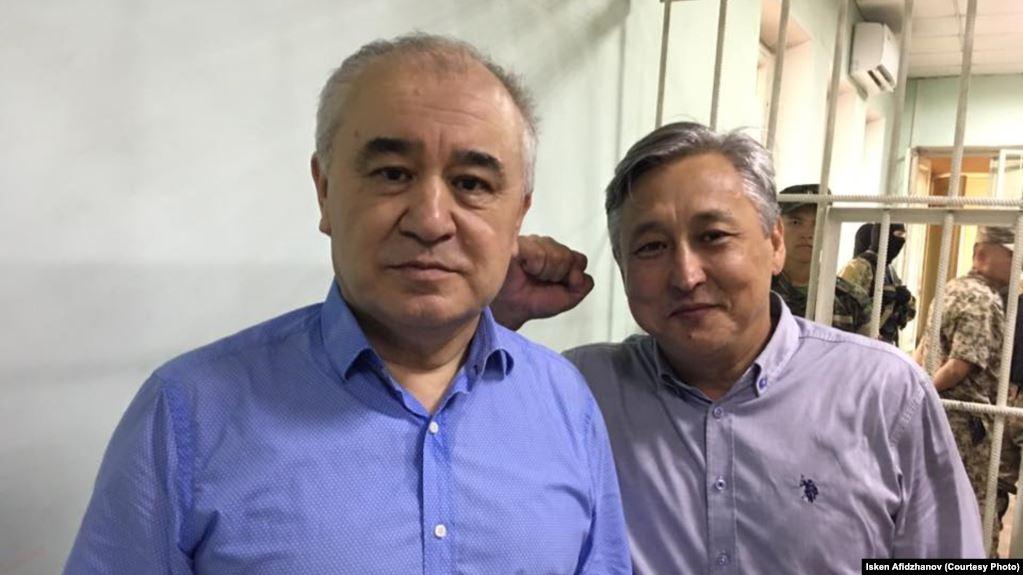 Бүгүн Жогорку Сотто Текебаев менен Чотоновдун иши каралат