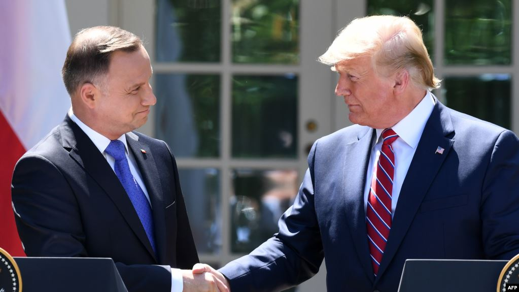 Трамп «Дориан» бороонуна байланыштуу Польшага болгон сапарын токтотту