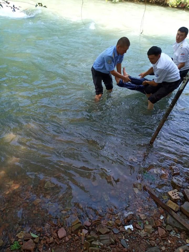 Ак-Буурага аккан жаран: Эсиме келип көзүмдү ачканда куткаруучулар сүйүнүп кетти