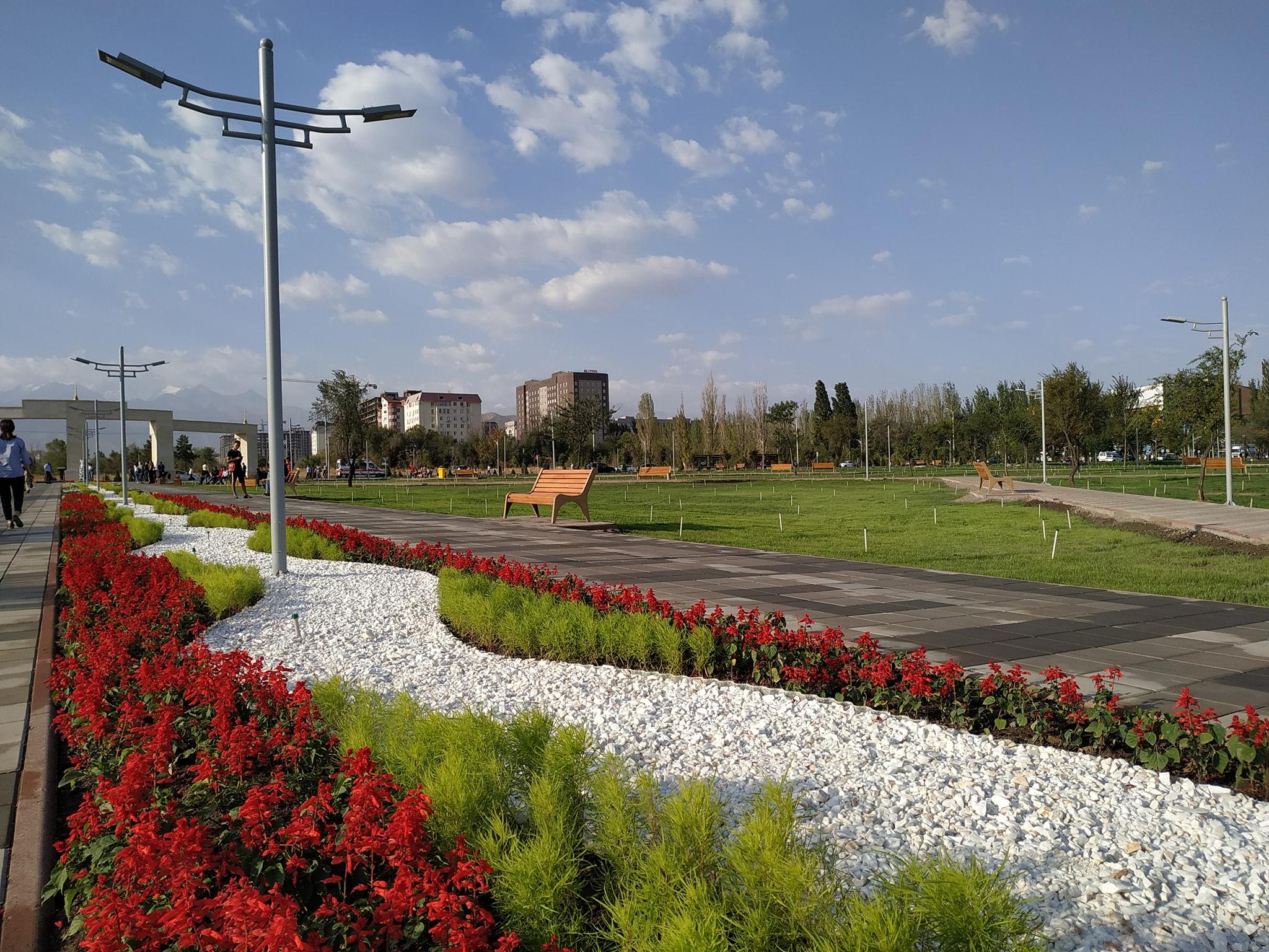 Бишкекте аянты 10 гектар болгон жаңы сейил бак ачылды