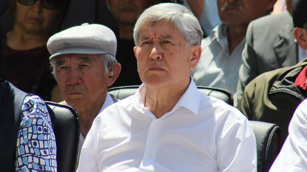 Сулайманов тергөө абагында отурган Атамбаевден кабар алып чыкты