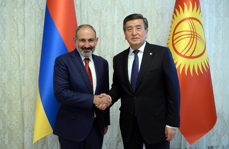 Кыргызстанга Армениянын премьер-министри Пашинян биринчи жолу келди