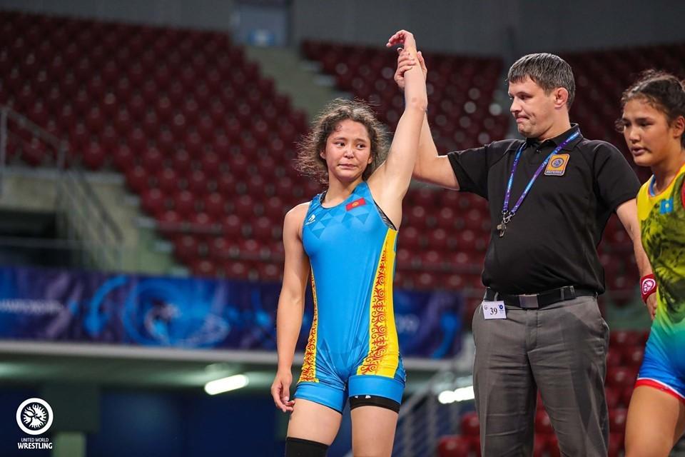 Кыргызстандык Калмира Билимбек кызы күрөш боюнча дүйнө чемпиондугуна 2-орунду алды