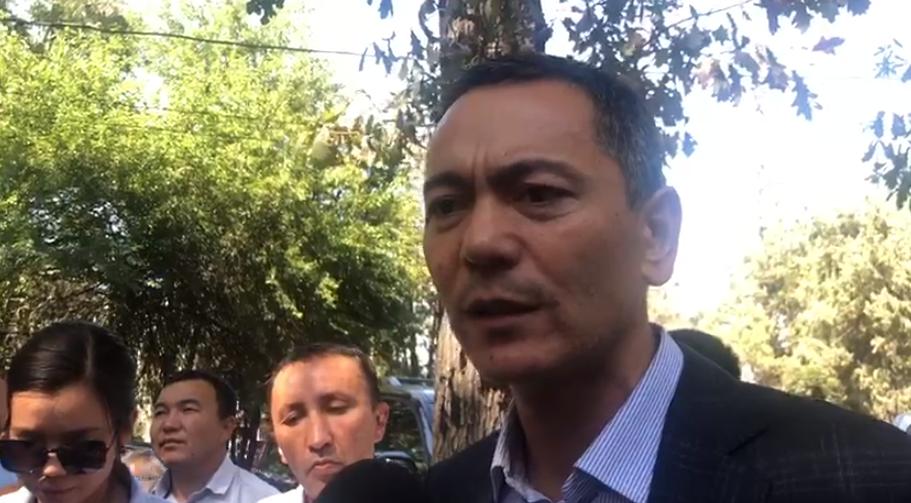 Бабанов: Мени аэропорттон кармашпаганы үчүн президентке ырахмат
