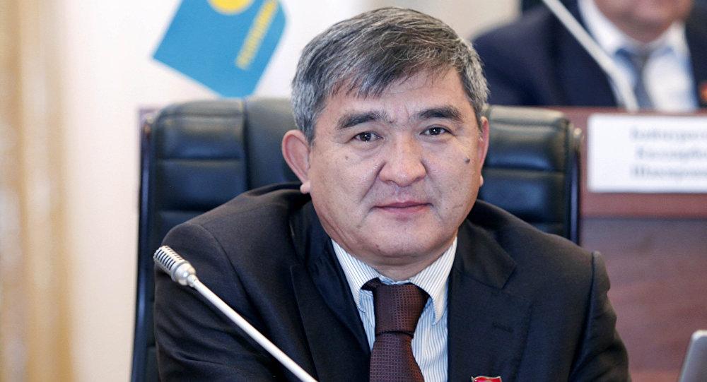 Депутат Байпакбаев: «Ысык-Көл» мейманканасына Өкмөттүн аппаратын жайгаштыруу керек