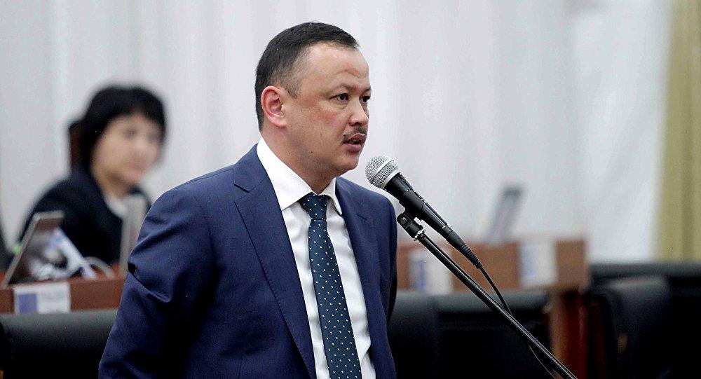 Депутат Улан Примов аймактарды өнүктүрүүгө бөлүнгөн 2 млрд сомдун эсебине кызыкты
