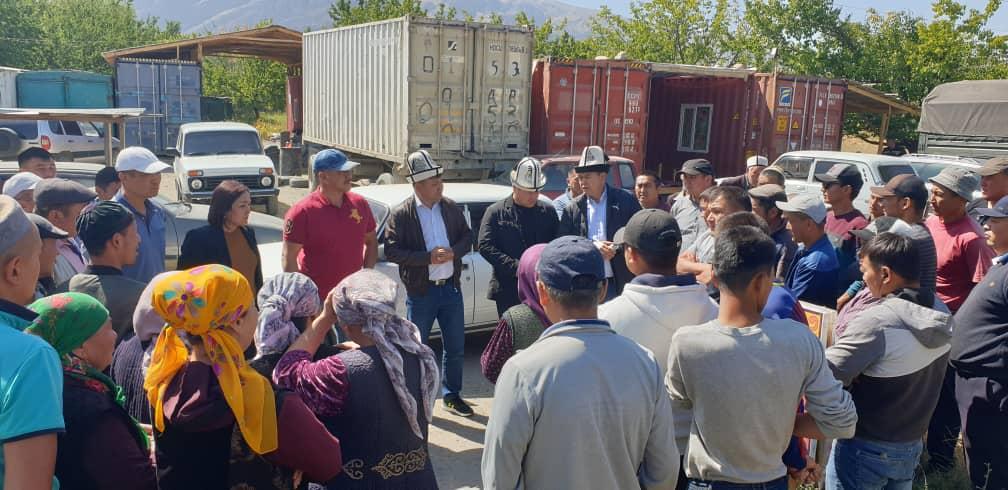 Мирлан Бакиров: Мамлекеттик чек арага курулуш жүргүзүү менен Тажикистан эл аралык тажрыйбаны бузду