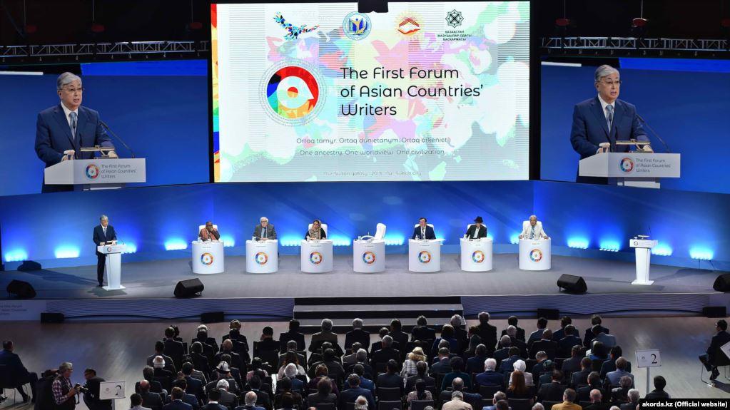 Азия өлкөлөрүнүн жазуучулар форумуна Казакстандын бюджетинен  722 миң доллар бөлүндү