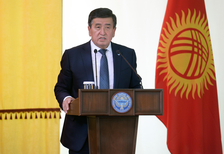 Президент Ысык-Көл облусунда сугат сууну ыкчам берүү иштеринин жүрүшү менен таанышты