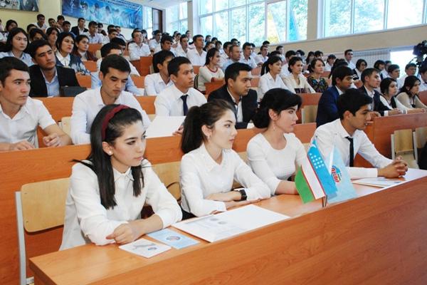 Өзбекстанда 14 жаштагы кыз студент болду