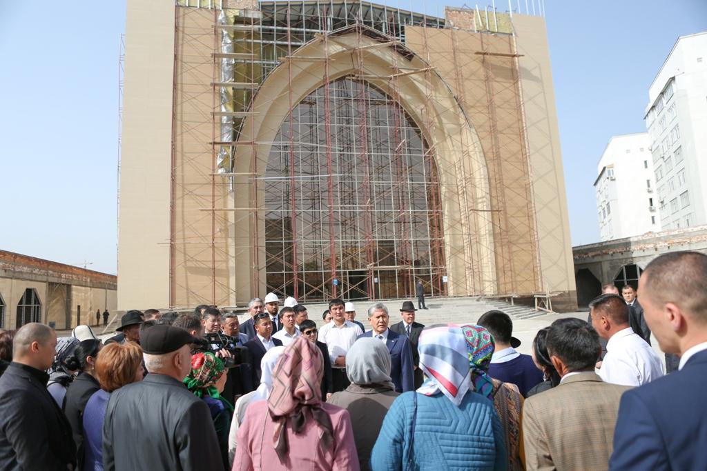 Башкы прокуратура «7-апрель шейиттери» мечитинин кайсы акчага салынганын иликтеп жатат
