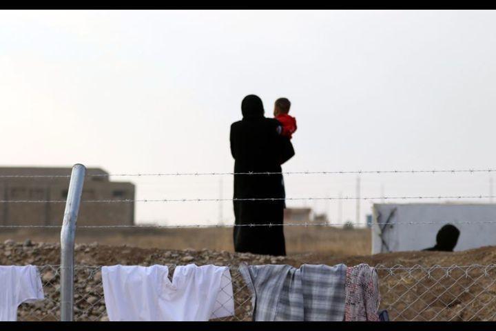 Өкмөт Ирактагы Кыргызстандын жашы жете элек балдардын алып келүүгө Багдад шаарына барат