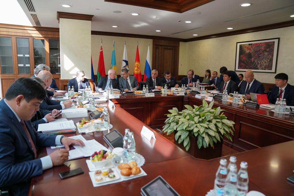Евразия экономикалык комиссия Кыргызстанга бажы алымын 1,90% белгиледи