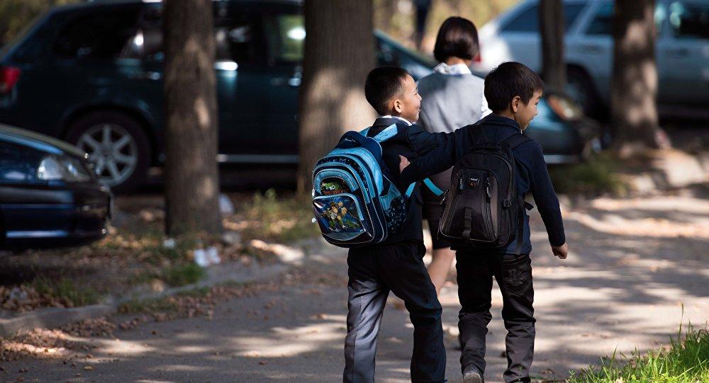 Мектеп окуучулары күзгү эс алууга качан чыгаары белгилүү болду