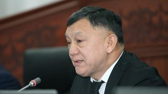 Депутат Тулендыбаев: Мугалимдердин айлыгы минималдуу 20 миң сом болушу керек