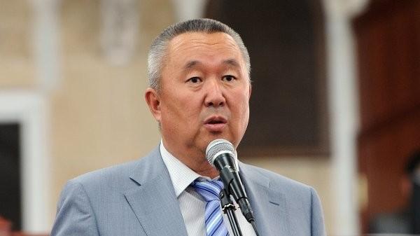 Депутат Нышанов чоӊ трассаларда жүрүү ылдамдыгын көбөйтүү керектигин айтты