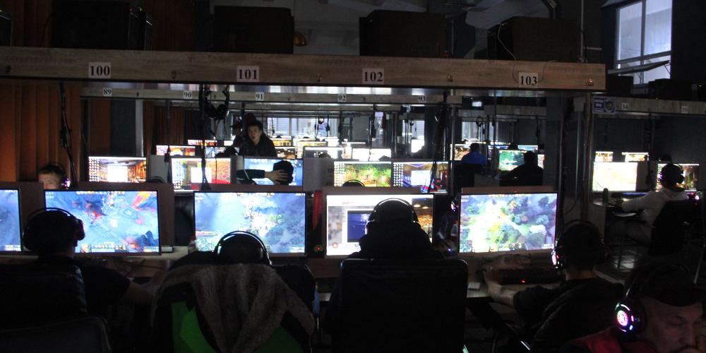 Парламентте компьютердик оюн клубдарды жарнамалоого тыюу салуу сунушталды