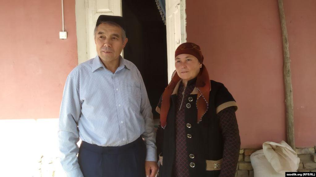 Өзбекстандык акын өлкөгө «тыюу салынган китеп» алып келгени үчүн соттолду