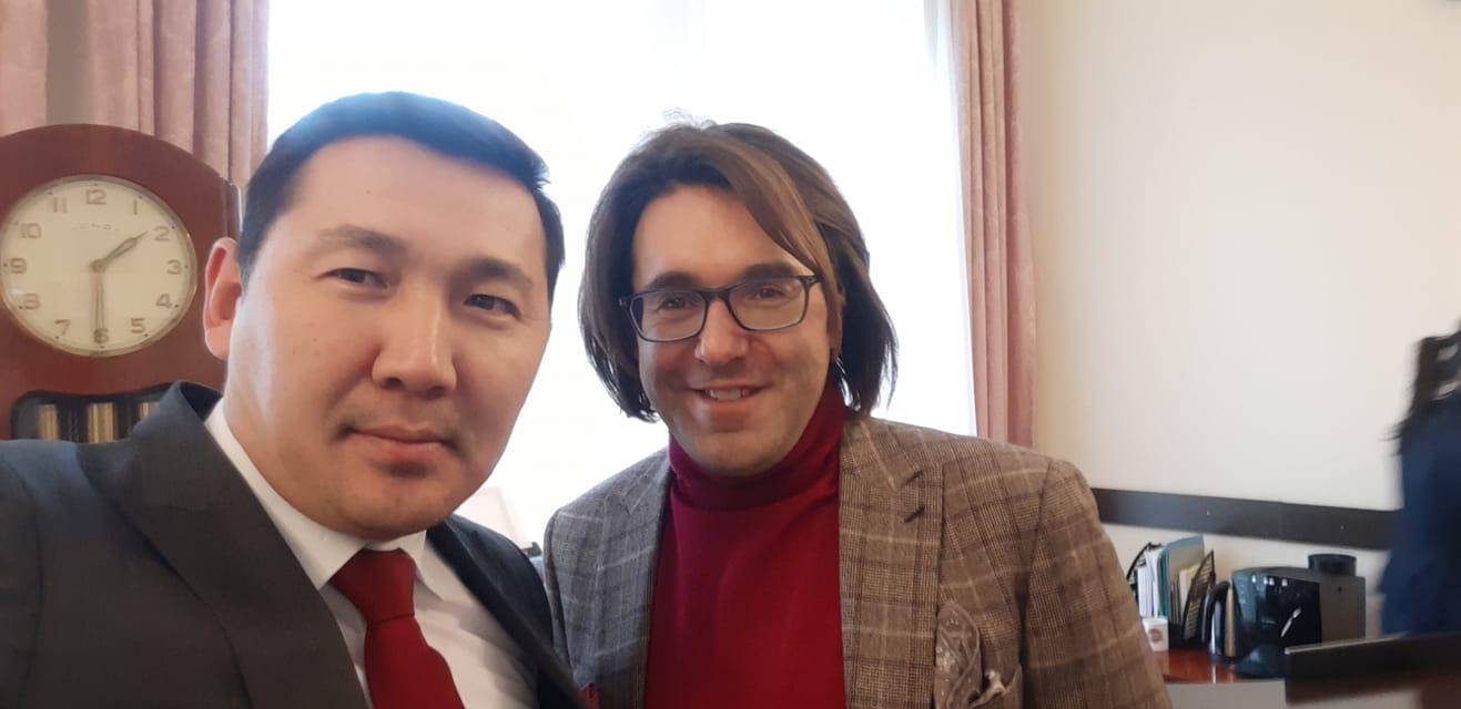 Андрей Малахов Кыргызстандын Орусиядагы элчилигине келди