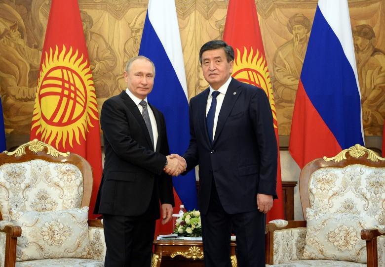 Сооронбай Жээнбеков Путинди 67 жашка чыгышы менен куттуктады