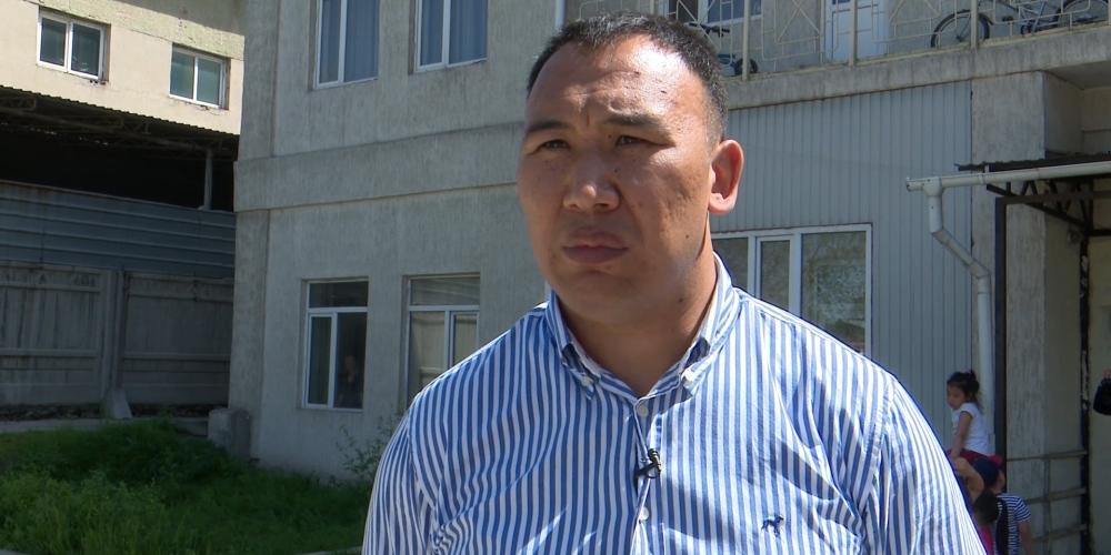 Атамбаевдин жан сакчысы Дамир Мусакеев Молдовановкадагы абакка которулду