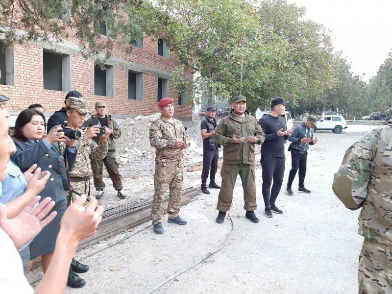 ИИМ: Эркин Мамбеталиев Баткен милициясына унаа берген жок, ага айып салынды