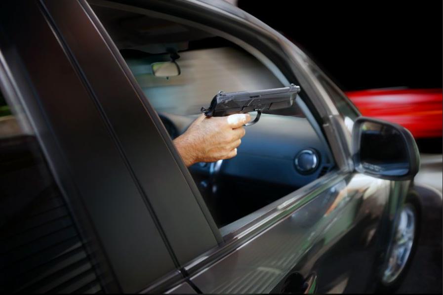 «Жол талаша кетип» айдоочуга ок чыгарган милициянын ишин прокуратура иликтейт