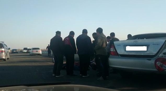 Бишкек-Нарын-Торугарт автожолундагы унаа кырсыгынан 3 адам өлдү, бирөө өспүрүм (видео)
