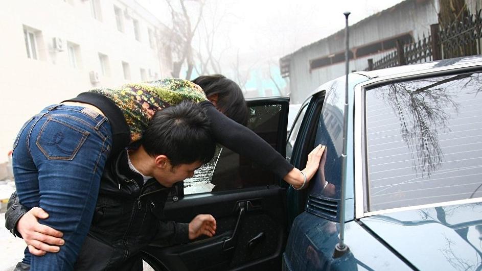 Бишкектин так ортосунда «уурдалган» кыз милицияга келди