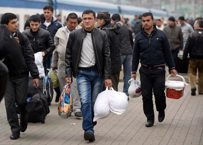 Жогорку Кеңеште миграция маселеси талкуланууда