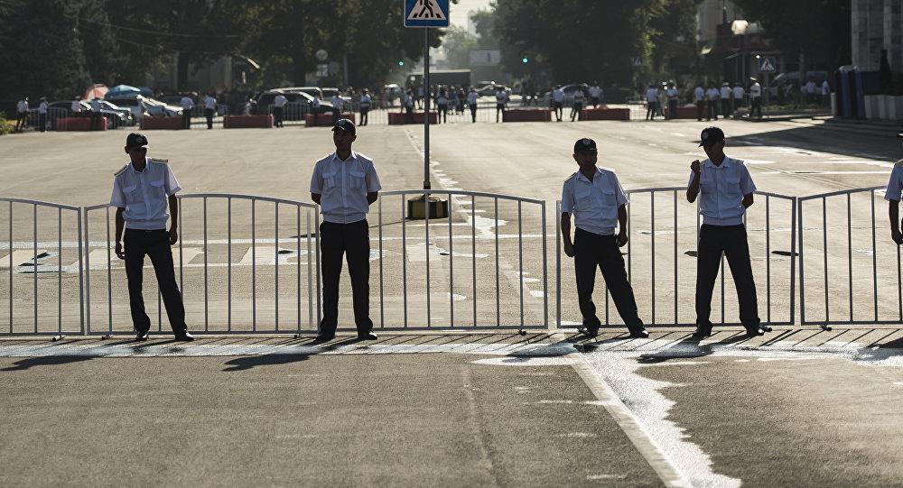Бишкекте Өмүрзаков атындагы стадиондун тегерегиндеги көчөлөр футболго байлаштуу жабылат
