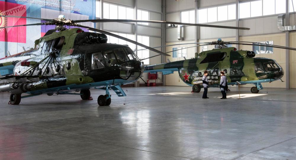 Орусия Кыргыстанга эки тик учак жана абадан коргонуу техникасын берди — сүрөт