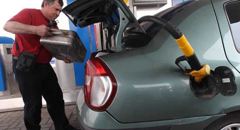 Казак бийлиги автотранспорт менен бензин ташууга чектөө киргизди