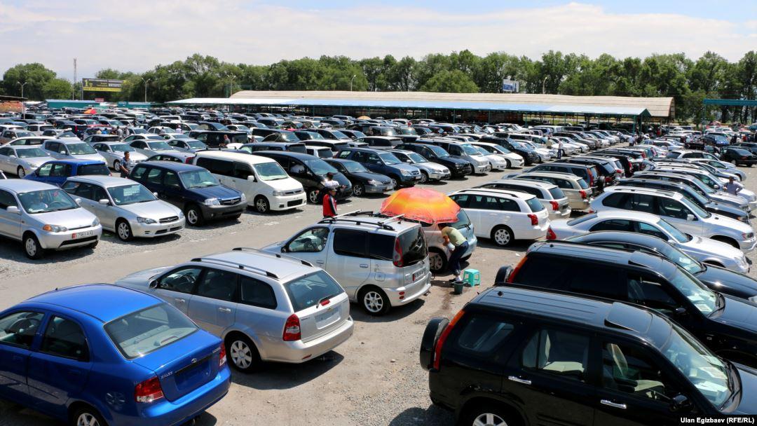 Кыргызстан ЕАЭБден автоунаага бажы алымдарын учурдагы баа менен сактап турууну суранат