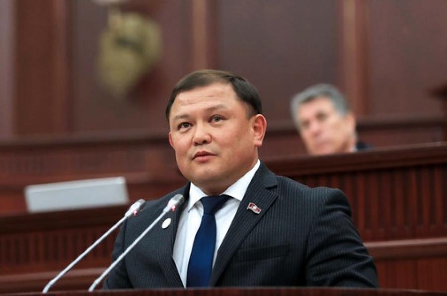Жогорку Кеңештин төрагасы баштаган делегация Арменияга иш сапар менен кетишти