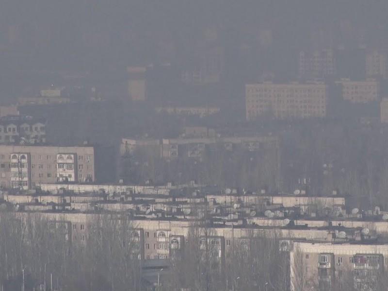 Бишкек мэриясы абанын булганышынан улам үйлөрдүн терезесин көп ачпоого чакырат