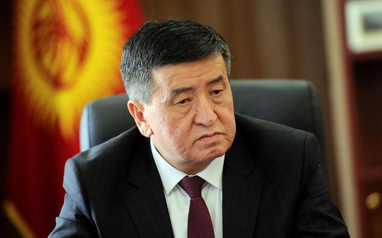 Сооронбай Жээнбеков Алматыдагы учак кырсыгына байланыштуу Касым-Жомарт Токаевге көңүл айтты
