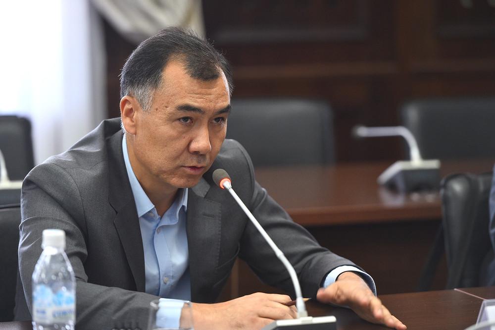 Бүгүн Бишкек шаардык сотунда саясатчы Равшан Жээнбековдун баш коргоо чарасы каралат