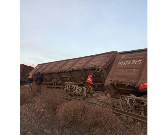 Боом капчыгайында 8 вагон рельстен чыгып кетти