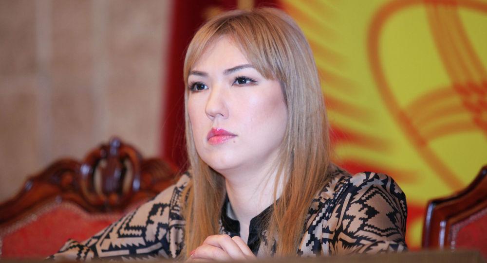 """""""Үмүт 2020"""" кыймылынын өкүлү Ширин Айтматова президентке кайрылды"""