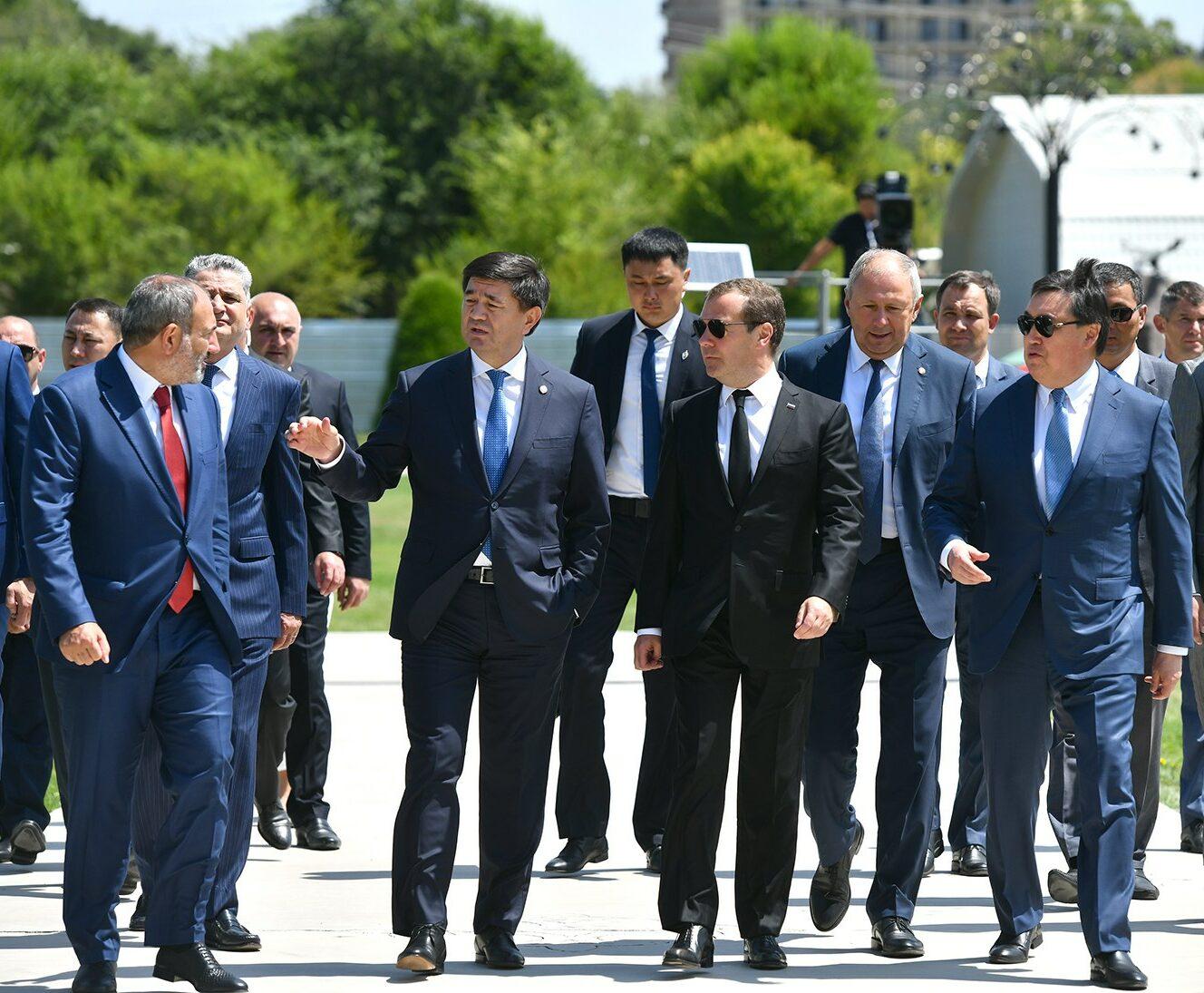 Абылгазиев Евразия өкмөт аралык кеңешинин жыйынына катышат