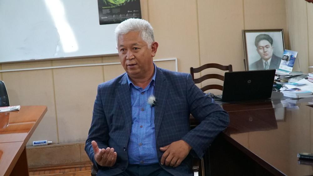 Молдокасымов: Карт тарыхы бар жарды өлкөдө тарых изилдеген кордук экен
