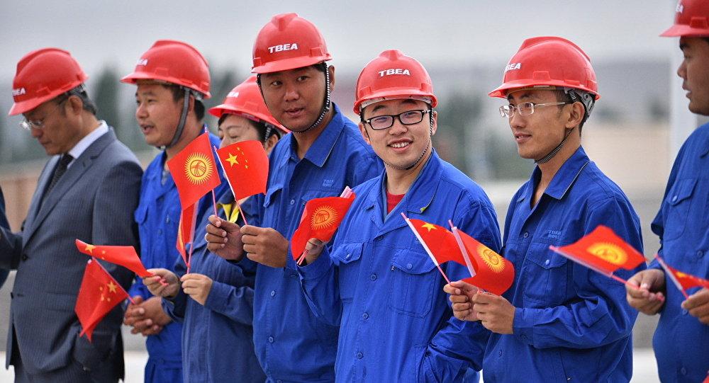 Миграция кызматы: Кытайлык мигранттар Кыргызстанга кайта башташты