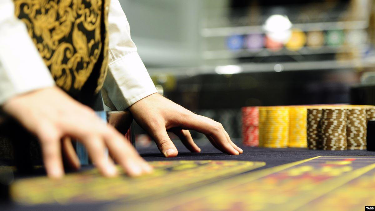Депутат Нурматов: Туризмдин келечегин ойлосок, чет өлкөлүк жарандар үчүн казинолорду ачуу керек